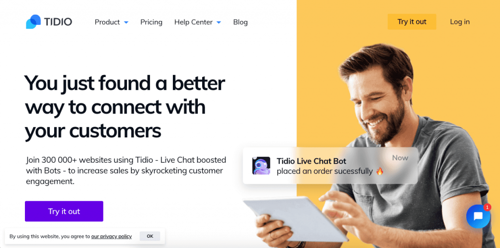 Tidio is a cloud-based platform that allows you to use chatbots and live chat to solve your customer's queries immediately, both on your website and on Facebook Messenger.
